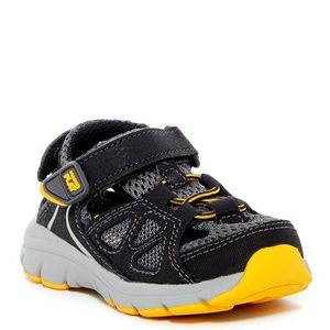 Stride Rite Made2Play Scout Sneaker (Toddler) NEW